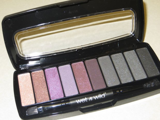 studio-eyeshadow-palette-wet-n-wild-a230