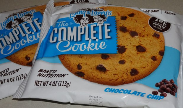 chocolate-chips-the-complete-cookie